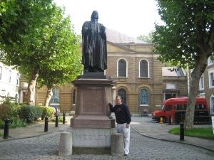 John Wesley Statue in front of Wesley Chapel